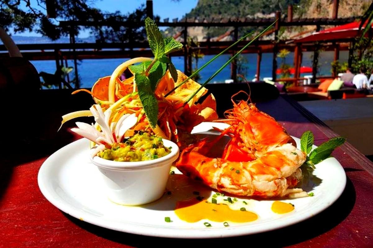Excellent restaurant à Cap D'Ail Proche Monaco